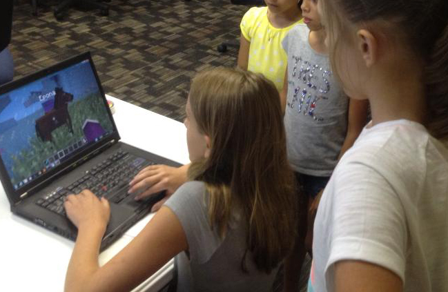 How We Used Minecraft to Teach Girls to Code in Kentucky and Indiana